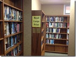図書館には拡大図書も用意