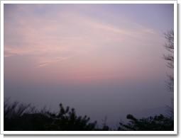 東シナ海の夜明け